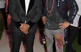 CAP D'ANTIBES, FRANCE - JULY 16:   Memphis Depay and British artist Sacha Jafri attend the amfAR Cannes Gala 2021 at Villa Eilenroc on July 16, 2021 in Cap d'Antibes, France.  (Photo by David M. Benett/Dave Benett/Getty Images for amfAR)