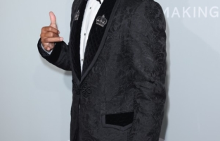 CAP D'ANTIBES, FRANCE - JULY 16: Memphis Depay attends the amfAR Cannes Gala 2021 at Villa Eilenroc on July 16, 2021 in Cap d'Antibes, France. (Photo by Andreas Rentz/amfAR/Getty Images for amfAR)