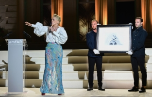 CAP D'ANTIBES, FRANCE - JULY 16: Sharon Stone hosts the amfAR Cannes Gala 2021 at Villa Eilenroc on July 16, 2021 in Cap d'Antibes, France. (Photo by Daniele Venturelli/amfAR/Daniele Venturelli/Getty Images for amfAR  )