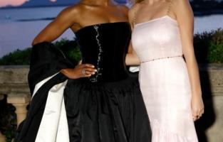 CAP D'ANTIBES, FRANCE - JULY 16: (L-R) Regina King and Dylan Penn attend the amfAR Cannes Gala 2021 at Villa Eilenroc on July 16, 2021 in Cap d'Antibes, France. (Photo by Kevin Tachman/amfAR/Getty Images for amfAR)