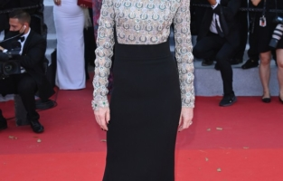 """CANNES, FRANCE - JULY 13: Isabelle Huppert attends the """"Aline, The Voice Of Love"""" screening during the 74th annual Cannes Film Festival on July 13, 2021 in Cannes, France. (Photo by Daniele Venturelli/WireImage)"""