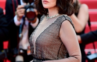 """CANNES, FRANCE - JULY 10: Isabelle Adjani attends the """"De Son Vivant (Peaceful)"""" screening during the 74th annual Cannes Film Festival on July 10, 2021 in Cannes, France. (Photo by Daniele Venturelli/WireImage)"""