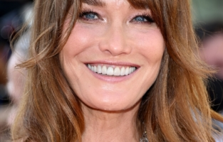 """CANNES, FRANCE - JULY 10: Carla Bruni attends the """"De Son Vivant (Peaceful)"""" screening during the 74th annual Cannes Film Festival on July 10, 2021 in Cannes, France. (Photo by Daniele Venturelli/WireImage)"""