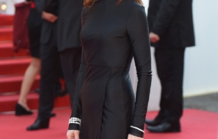 """CANNES, FRANCE - JULY 07: Isabelle Huppert attends the """"Tout S'est Bien Passe (Everything Went Fine)"""" screening during the 74th annual Cannes Film Festival on July 07, 2021 in Cannes, France. (Photo by Stephane Cardinale - Corbis/Corbis via Getty Images)"""