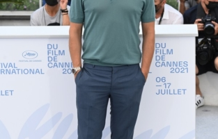 """CANNES, FRANCE - JULY 12: Riccardo Scamarcio attends the """"Tre Piani (Three Floors)"""" photocall during the 74th annual Cannes Film Festival on July 12, 2021 in Cannes, France. (Photo by Daniele Venturelli/WireImage)"""