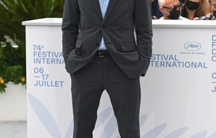 """CANNES, FRANCE - JULY 12: Tim Roth attends the """"Bergman Island"""" photocall during the 74th annual Cannes Film Festival on July 12, 2021 in Cannes, France. (Photo by Kate Green/Getty Images)"""
