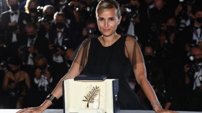 Festival Cannes 2021 vincitori: il red carpet della cerimonia di chiusura, tutti i look delle celebrity