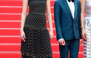 """CANNES, FRANCE - JULY 06: Angele and Simon Helberg attend the """"Annette"""" screening and opening ceremony during the 74th annual Cannes Film Festival on July 06, 2021 in Cannes, France. (Photo by Daniele Venturelli/WireImage)"""