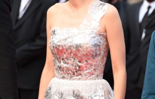"""CANNES, FRANCE - JULY 06: Marion Cotillard attends the """"Annette"""" screening and opening ceremony during the 74th annual Cannes Film Festival on July 06, 2021 in Cannes, France. (Photo by Daniele Venturelli/WireImage)"""