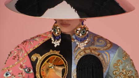 """Schiaparelli Haute Couture autunno inverno 2021: """"The Matador"""", tutti i look e il video"""