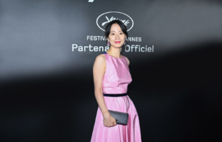 CANNES, FRANCE - JULY 09: Meng Li attends the photocall ahead of the Chopard Trophy dinner during the 74th annual Cannes Film Festival on July 09, 2021 in Cannes, France. (Photo by Daniele Venturelli/Daniele Venturelli/WireImage )