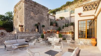 Hotel Villa Fiorita Taormina: le collezioni Pedrali per la terrazza affacciata sul mare
