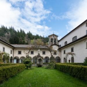 Monastero di Camaldoli Arezzo: la nuova Biblioteca Moderna con gli arredi senza tempo di Lago