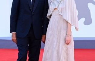 """VENICE, ITALY - SEPTEMBER 01:  Venezia78 Jury member Saverio Costanzo and Alba Rohrwacher attend the red carpet of the movie """"Madres Paralelas"""" during the 78th Venice International Film Festival on September 01, 2021 in Venice, Italy. (Photo by Daniele Venturelli/WireImage)"""