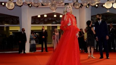 Venezia 78 AriaFerma: il red carpet del film di Leonardo Di Costanzo con Toni Servillo e Silvio Orlando