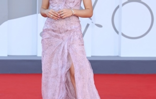 """VENICE, ITALY - SEPTEMBER 08: Aurora Ruffino attends the red carpet of the movie """"Freaks Out"""" during the 78th Venice International Film Festival on September 08, 2021 in Venice, Italy. (Photo by Daniele Venturelli/WireImage)"""