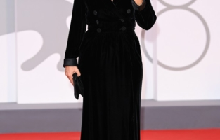 """VENICE, ITALY - SEPTEMBER 07:  Ippolita Di Majo attends the red carpet of the movie """"Qui Rido Io"""" during the 78th Venice International Film Festival on September 07, 2021 in Venice, Italy. (Photo by Daniele Venturelli/WireImage)"""