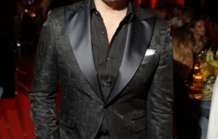VENICE, ITALY - SEPTEMBER 10: Jeremy Piven attends the amfAR Venice gala 2021 on September 10, 2021 in Venice, Italy. (Photo by Kennedy Pollard/amfAR/Getty Images for amfAR)