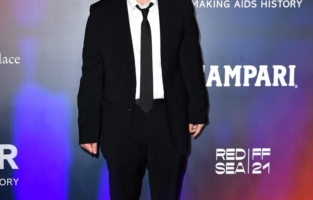 VENICE, ITALY - SEPTEMBER 10: Emile Hirsch attends the amfAR Venice gala 2021 on September 10, 2021 in Venice, Italy. (Photo by Pietro D'Aprano/amfAR/Getty Images for amfAR)
