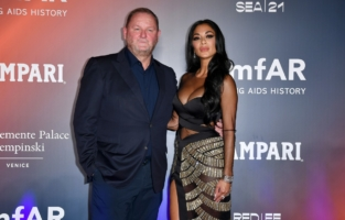 VENICE, ITALY - SEPTEMBER 10: Kevin Robert Frost and Nicole Scherzinger attend the amfAR Venice gala 2021 on September 10, 2021 in Venice, Italy. (Photo by Pietro D'Aprano/amfAR/Getty Images for amfAR)